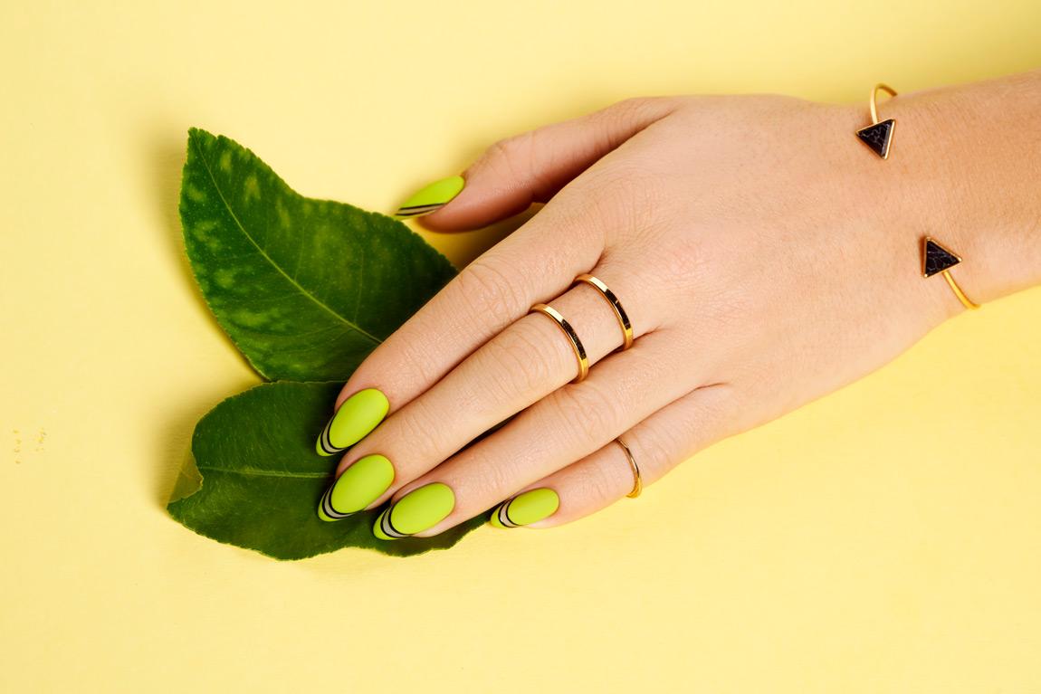 Optymista Santorini Indigo Nails