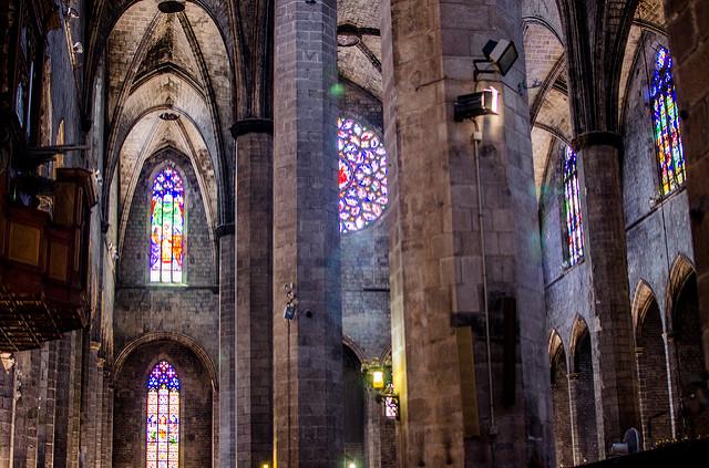Piękne kościelne witraże, Santa Maria del Mar Barcelona