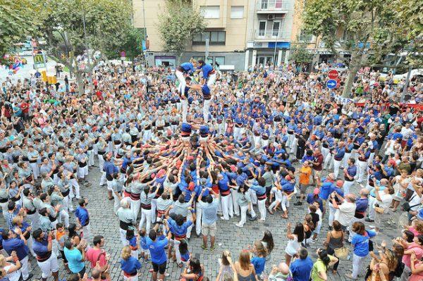 Tak wznoszone są katońskie wieże, marzec 2018 w Barcelonie