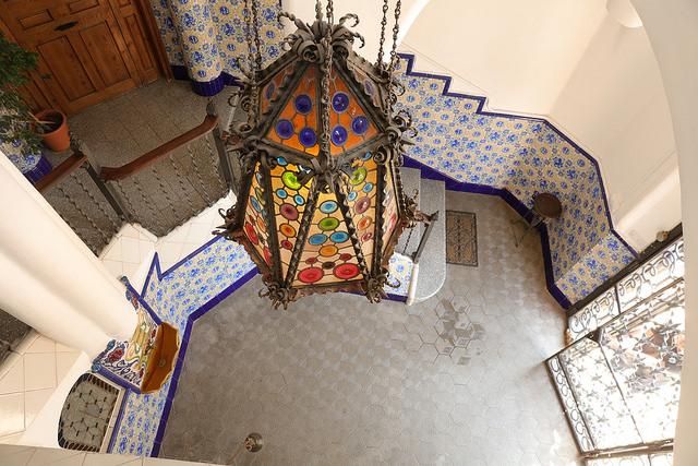 Na mozaiki też można tu liczyć!, wieża Bellesguard