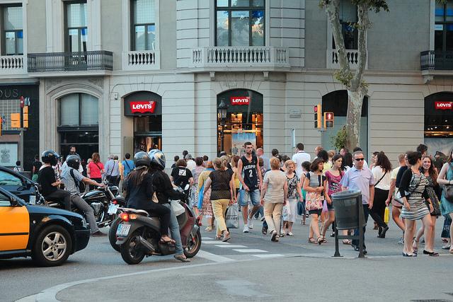 Barcelona idealnie nadaje się na motorową przejażdżkę, zwiedzanie Barcelony