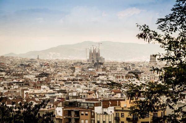 W tym wielkim mieście odkryć można wiele ciekawych uliczek, najciekawsze barcelońskie ulice